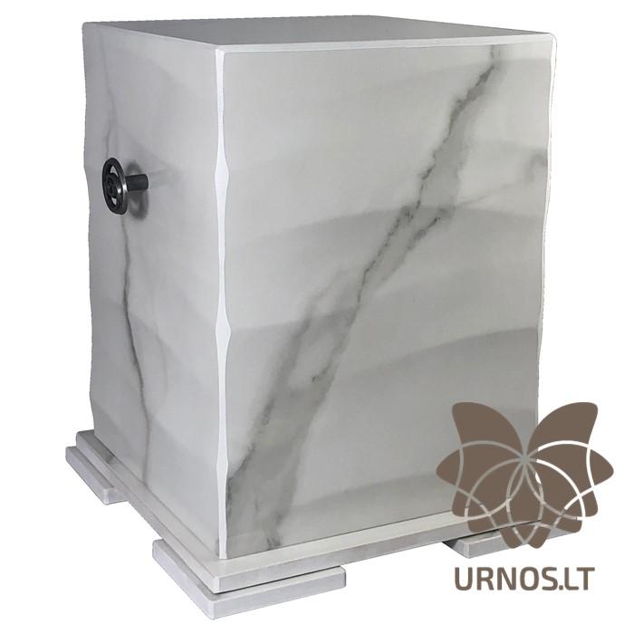 balta keramikine urna